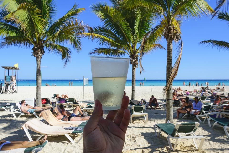 Drink på stranden i cancun
